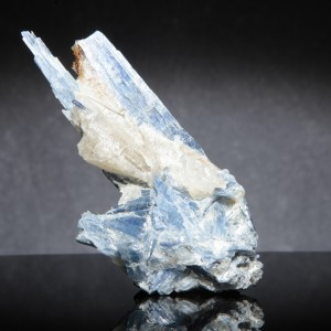 BLUE-KYANITE-IN-QUARTZ-KYA1-11