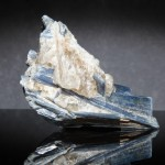 BLUE-KYANITE-IN-QUARTZ-KYA2-1