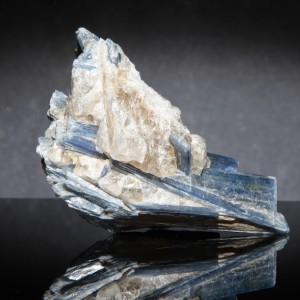 BLUE-KYANITE-IN-QUARTZ-KYA2-1