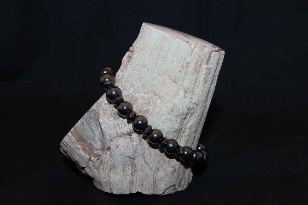 hematite black singles Hematite jewelry : overstock - your  steeltime men's set of 2 black lava, hematite,  handmade three menacing skulls natural stones single strand bracelet.